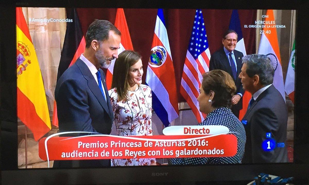 Muchas felicidades a mi amiga @PEspinosaC por tan merecido reconocimiento !! Todo un orgullo ! https://t.co/aCOuZ3gWm3
