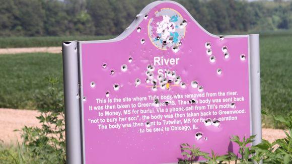 "Emmett Till historical sign riddled with bullets. Another spray-painted ""KKK."" https://t.co/m2NRjRETZW https://t.co/tnYywBe7kz"