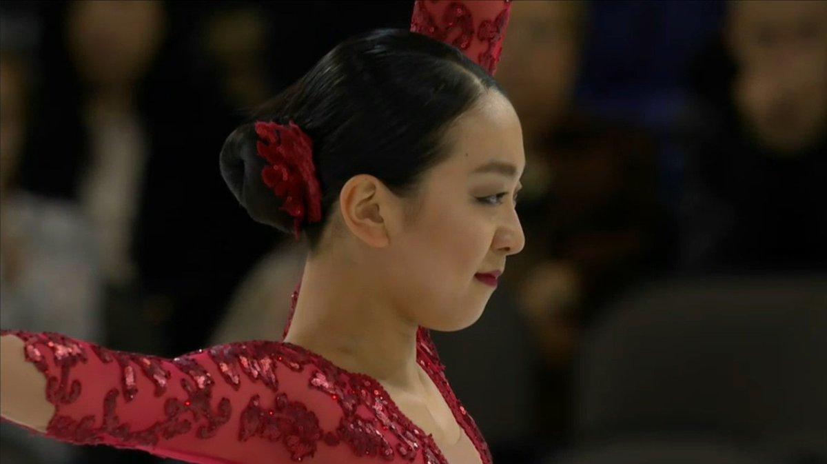 7 Mao ASADA (JPN) 2A 3F-2Lo 3Lz / 1Aso 3Shand 2F 3Lo  TES48.60。このスケーティング、プロを見れることが幸せ。ChSqの表情も柔らかい。演技後腰に手を当ててやや苦しそう…