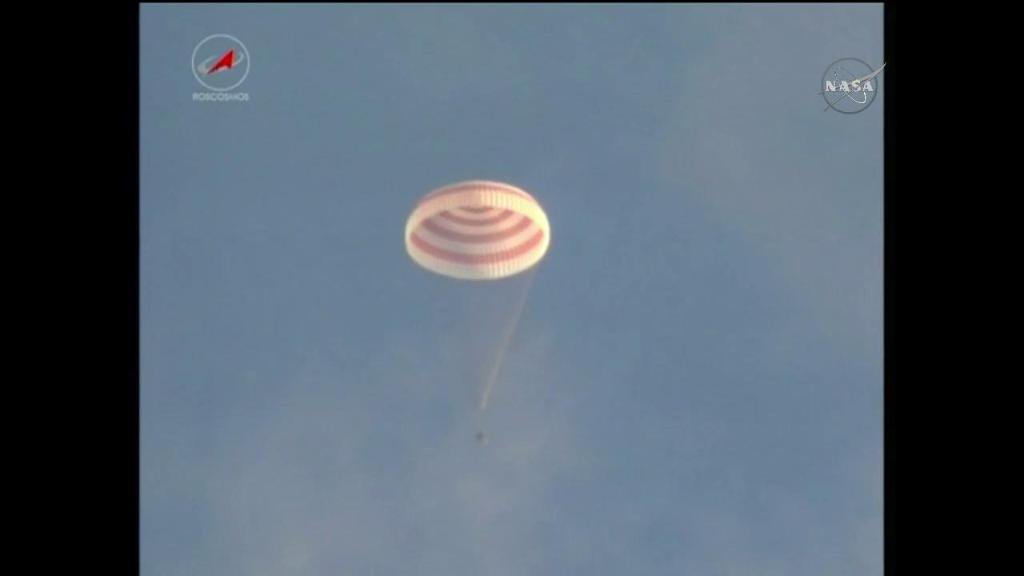 Welcome home! #AstroKate & her crewmates are safely back on Earth, landing after spending 115 day in space https://t.co/dZZj6NaOqA