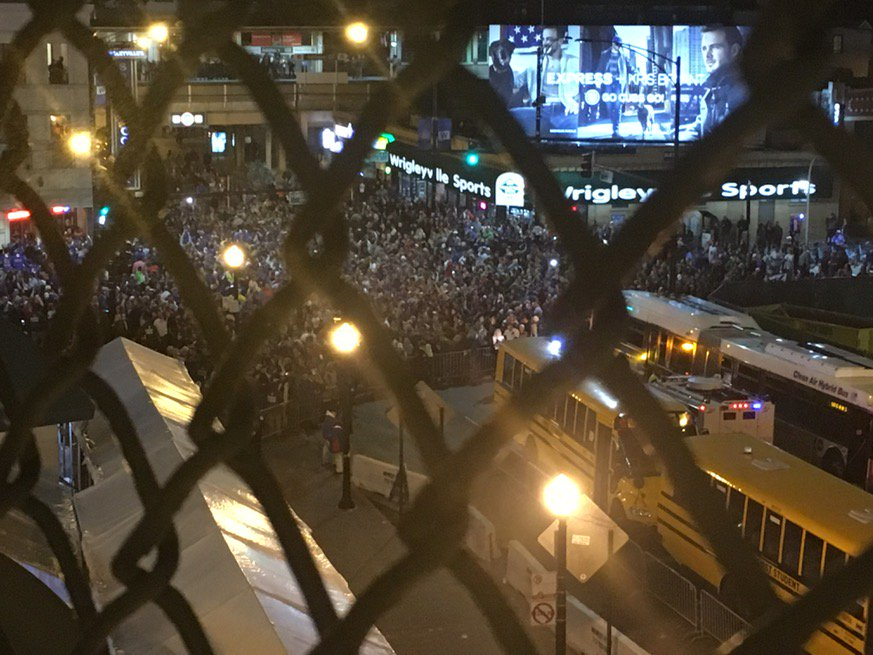 Outside Wrigley with three outs to go https://t.co/EddGA0aLAj