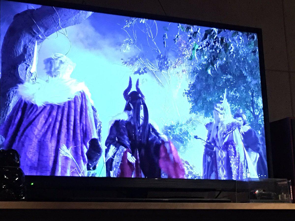 今日も秘密のバーでThunderbolt fantasy見る鳥海さんのキャラがdiesの水銀ぽくて草