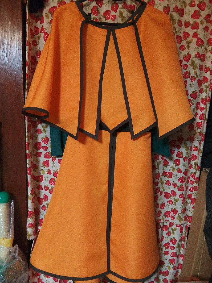 出来た(*´ω`*)着るともっと可愛いんですけど我トルソー持ってない…今まで作ったキングダムの衣装の中で一番可愛いと思い