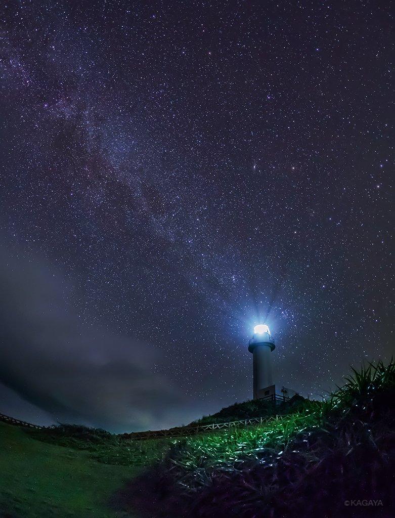 さきほど石垣島で撮影した星空です。 こちらはまだ暖かい夜風が吹いていますよ。 明日から穏かな一週間になりますように。