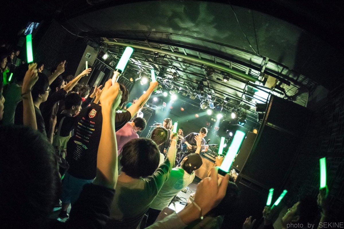 @3_kaku: 10/22アイドル大戦争1バンド目、Wake Up, Girls!コピバンのThugちゃんの写真きまし