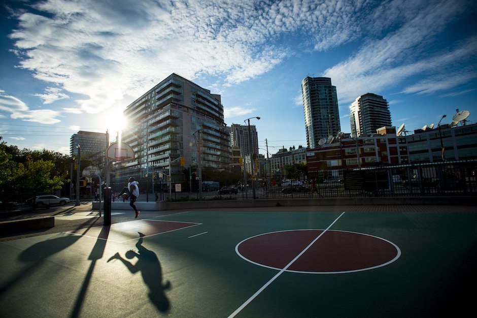 The city's game: Scenes from Toronto's love affair with basketball via @npsport
