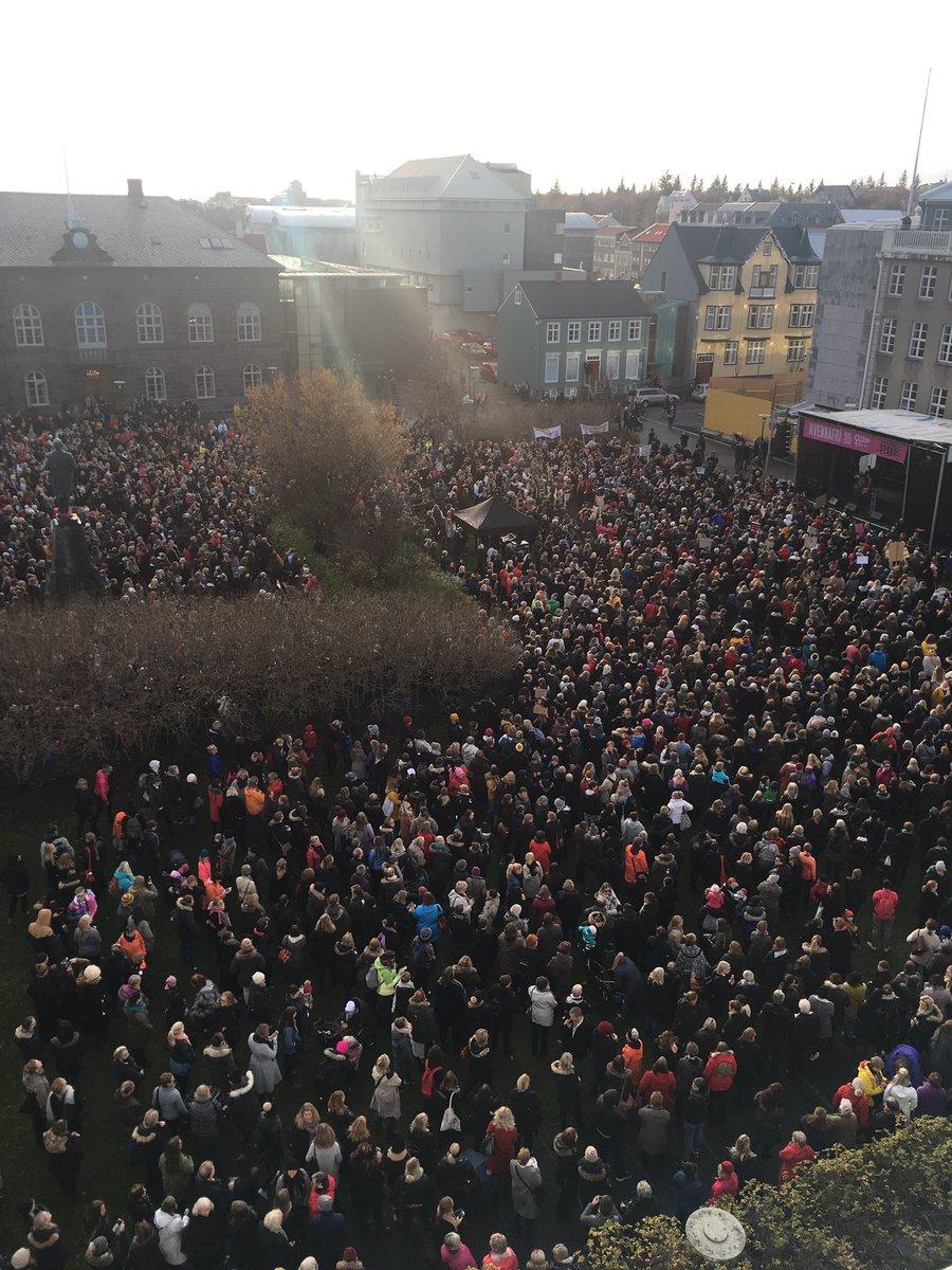 Les Islandaises ont cessé le travail à 14h58 aujourd'hui, qd leur tps de travail, à salaire égal, devrait s'arrêter… https://t.co/FC9cvmaRyx