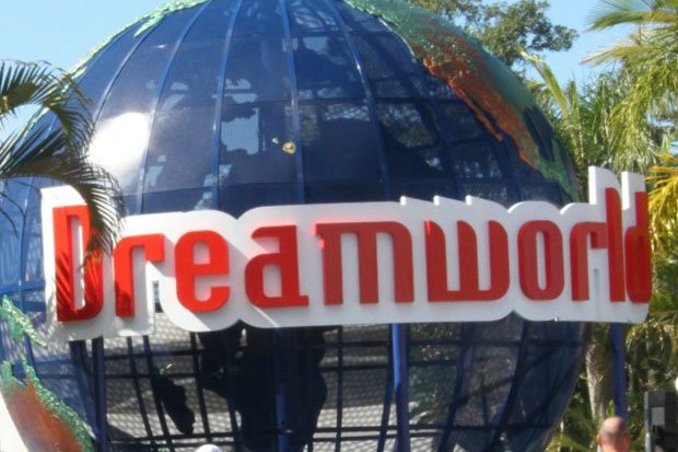 Four people killed in Dreamworld accident on the Gold Coast