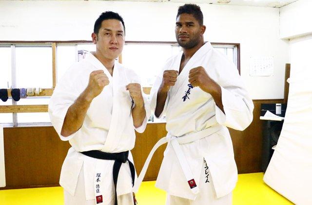 【UFC】アリスターが塚本徳臣に空手を学ぶ https://t.co/lv2sfgtwQd #UFC #efight #MMA #新極真会 #空手 https://t.co/bLmQ2PbyW3