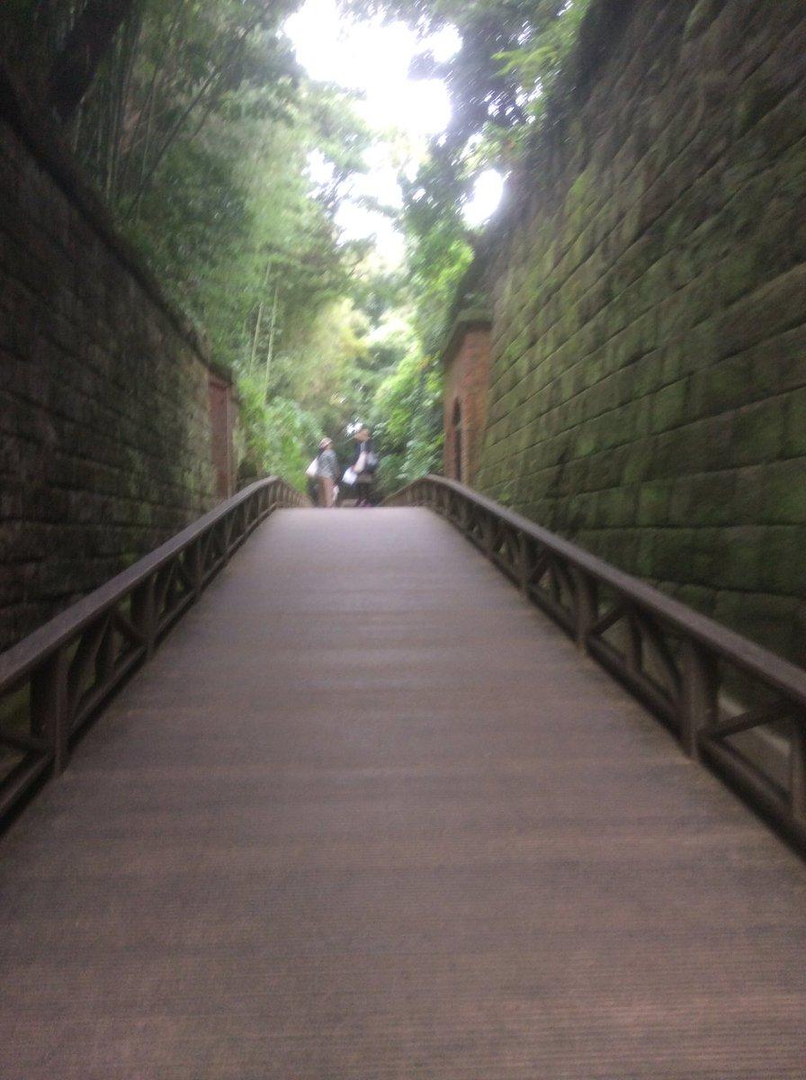 猿島。フランス積みのレンガ。ハウルの動く城で、こんな街並みあったなぁ…