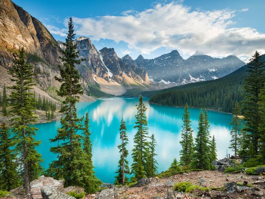 Canada, take a bow! @lonelyplanet says you're the top travel destination for 2017 https://t.co/8gpotLn8TA https://t.co/hobWsBrzE1