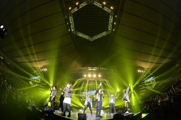 @3JSB_unofficial: 【三代目JSB news (自動)】 三代目JSBが大トリ飾る 豪華アーティスト集結