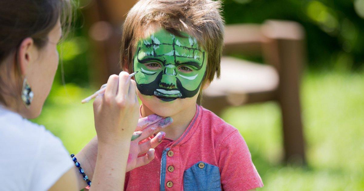 Tests find toxic metals in children's Halloween makeup