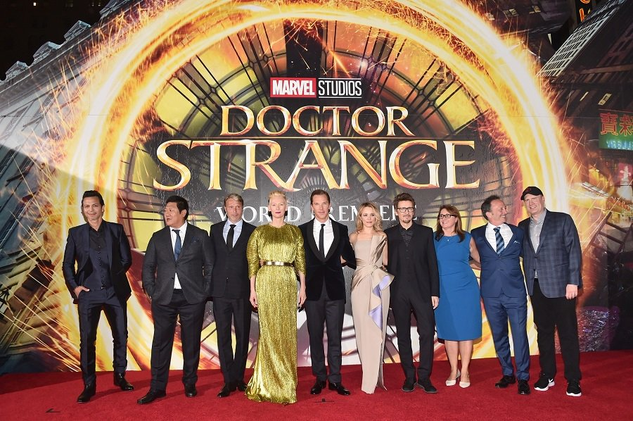 アイアンマンことR・ダウニー・Jr.も登場した『ドクター・ストレンジ』ワールドプレミアで、B・カンバーバッチ演じるドクタ