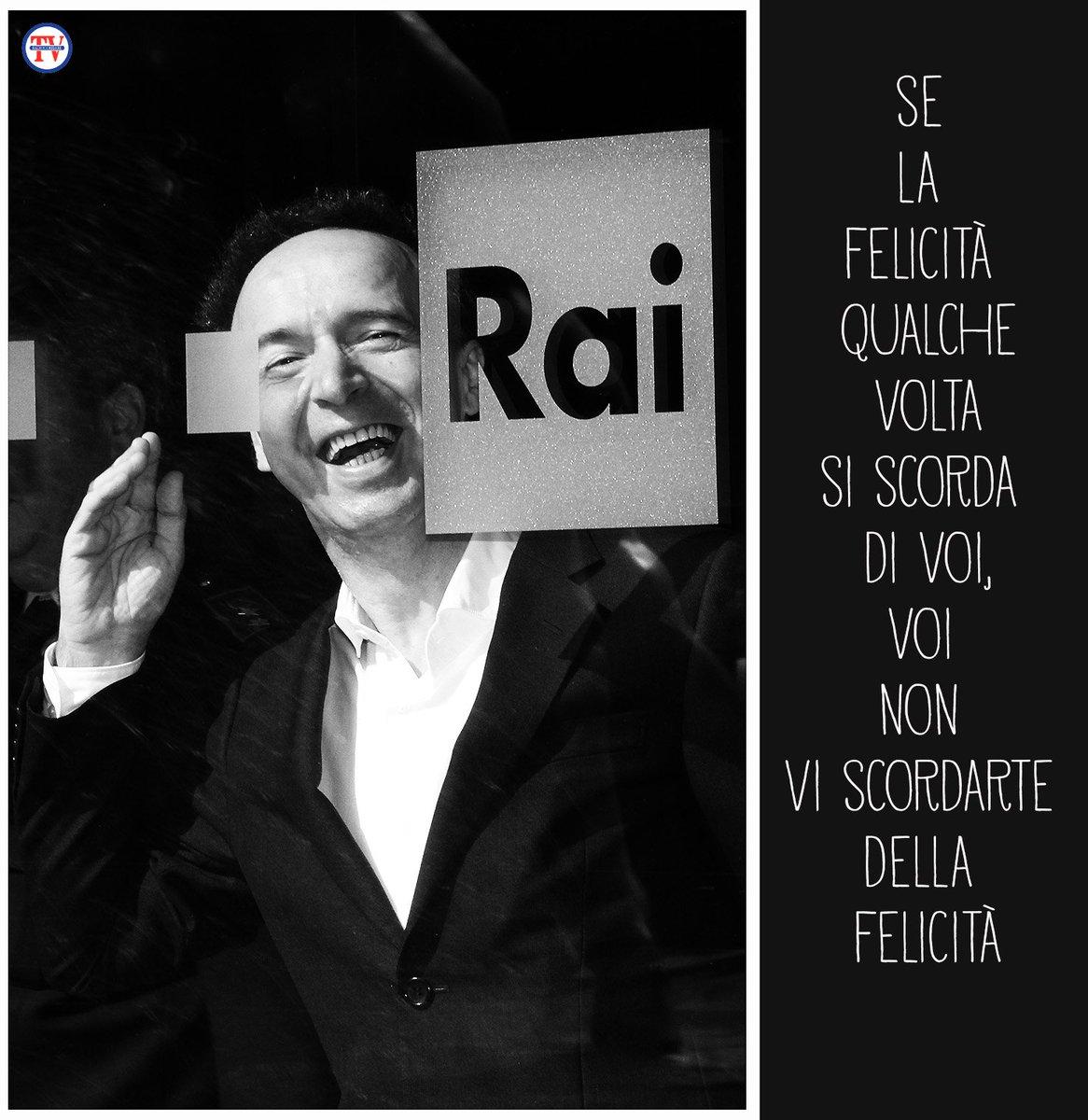 #RobertoBenigni