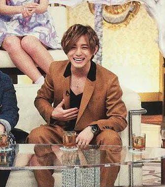 夜会の知念ちゃん見てたら、暗殺教室の宣伝で出てた山田くん思い出した〜衣装が似てない?