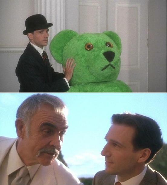 #映画で印象に残っている服アベンジャーズ(1998英)より。服が印象に残っていると言うか、このクマの着ぐるみを名優ショー
