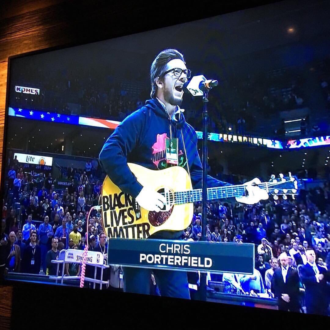 @ShaunKing @Sixers did you see this guy performing the anthem before the Bucks game last night? https://t.co/hLWAuVheJK