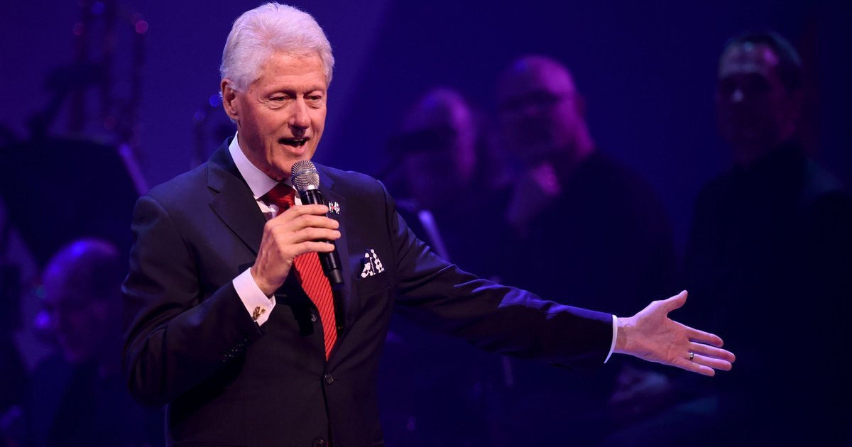 Memo shows Bill Clinton's wealth was tied to Clinton Foundation