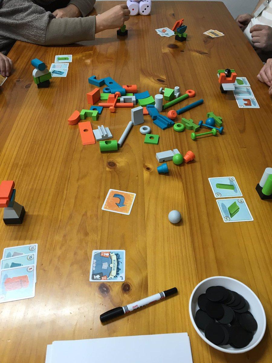 加古川のプレイスペース『駒の時間』です。今日は賑やか。『JUNK ART』『パイレーツコード』『迷家』がアクティブでした