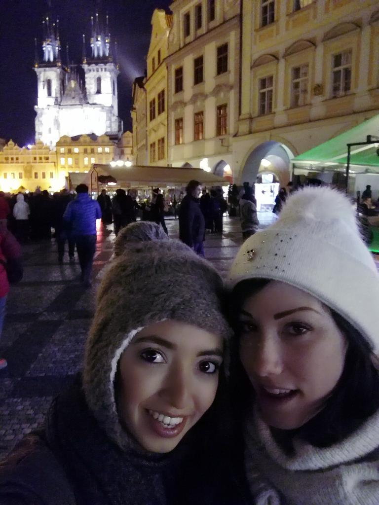 Hanging out with my love #Prague #awesome NgILCgFyTs