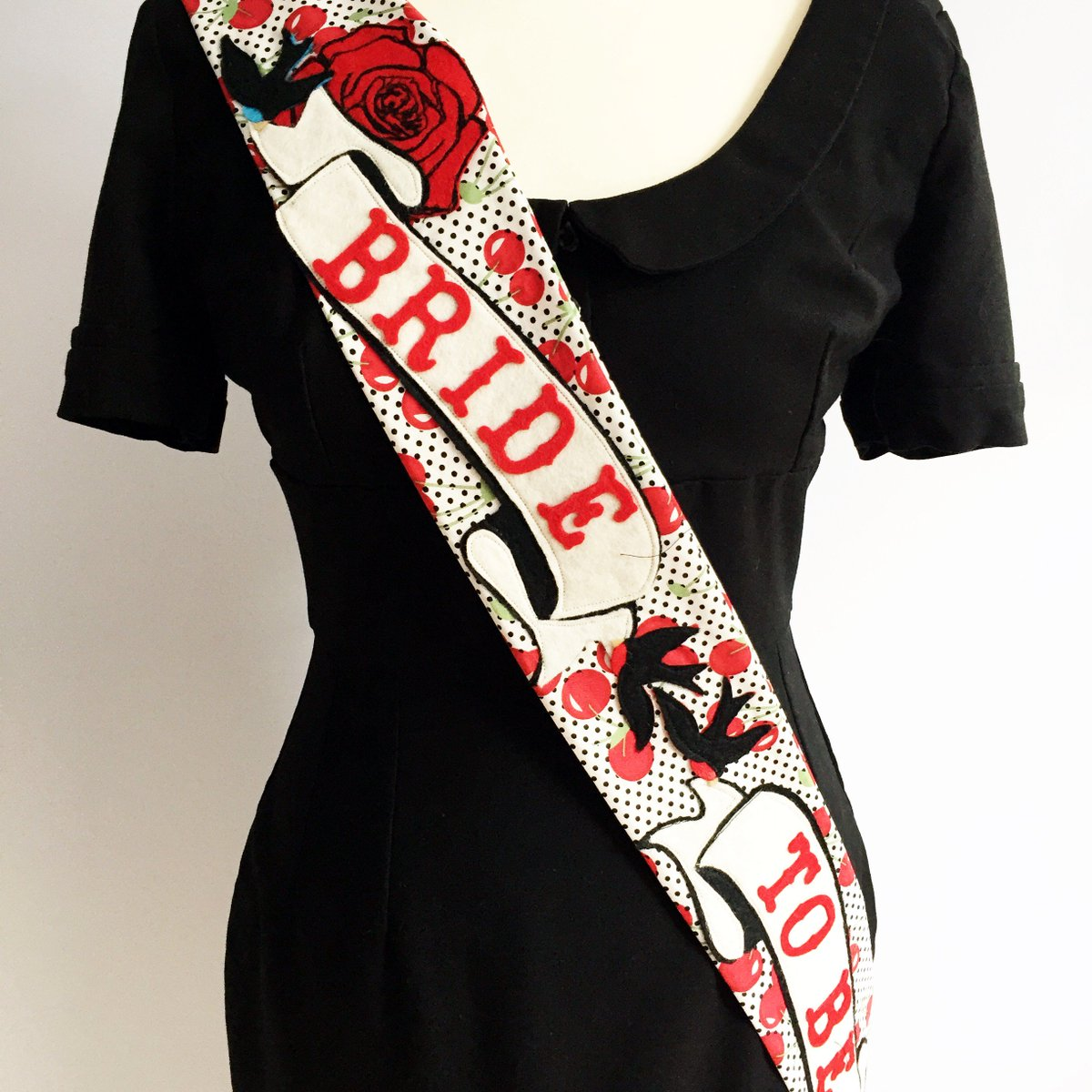 Hi @HandmadeHour I make handmade hen party sashes that are all about being a bit different #HandmadeHour https://t.co/DwVCcAmkC2
