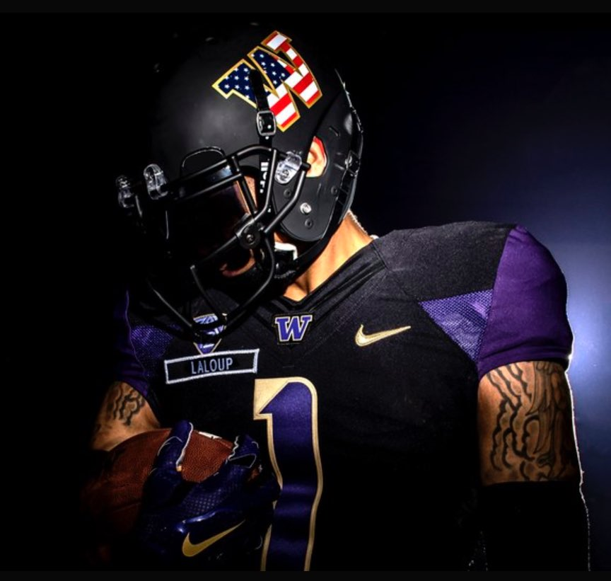 Really digging @UW_Football Salute To Service Uniforms for this weekend. https://t.co/kSXfWUGGNM