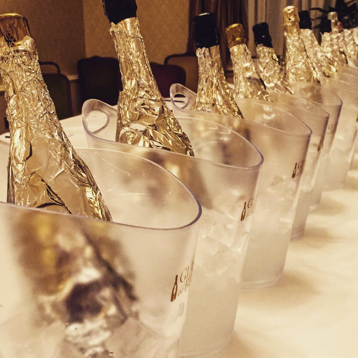 Great to have @GlassOfBubbly here for their low-calorie Sparkling Wine blind tasting https://t.co/mm98VpPL21