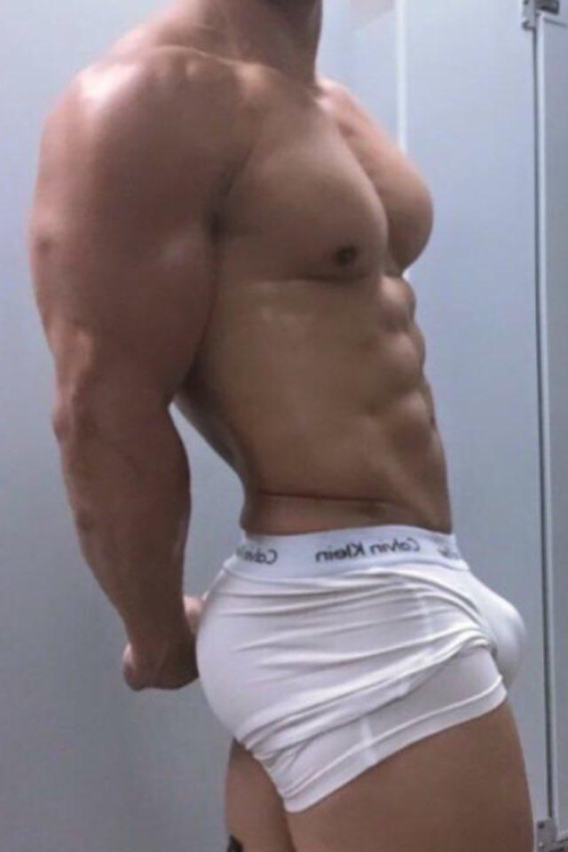 【股間の】男のもっこりが好きなゲイ20【主張】 YouTube動画>17本 ->画像>440枚