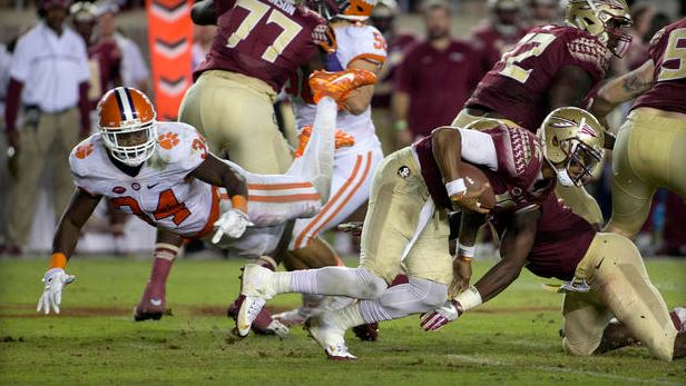 Clemson narrowly survives Florida State; top 25 NCAA football roundup