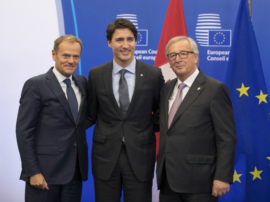 Justin Trudeau signs CETA free trade deal with European Union in Brussels