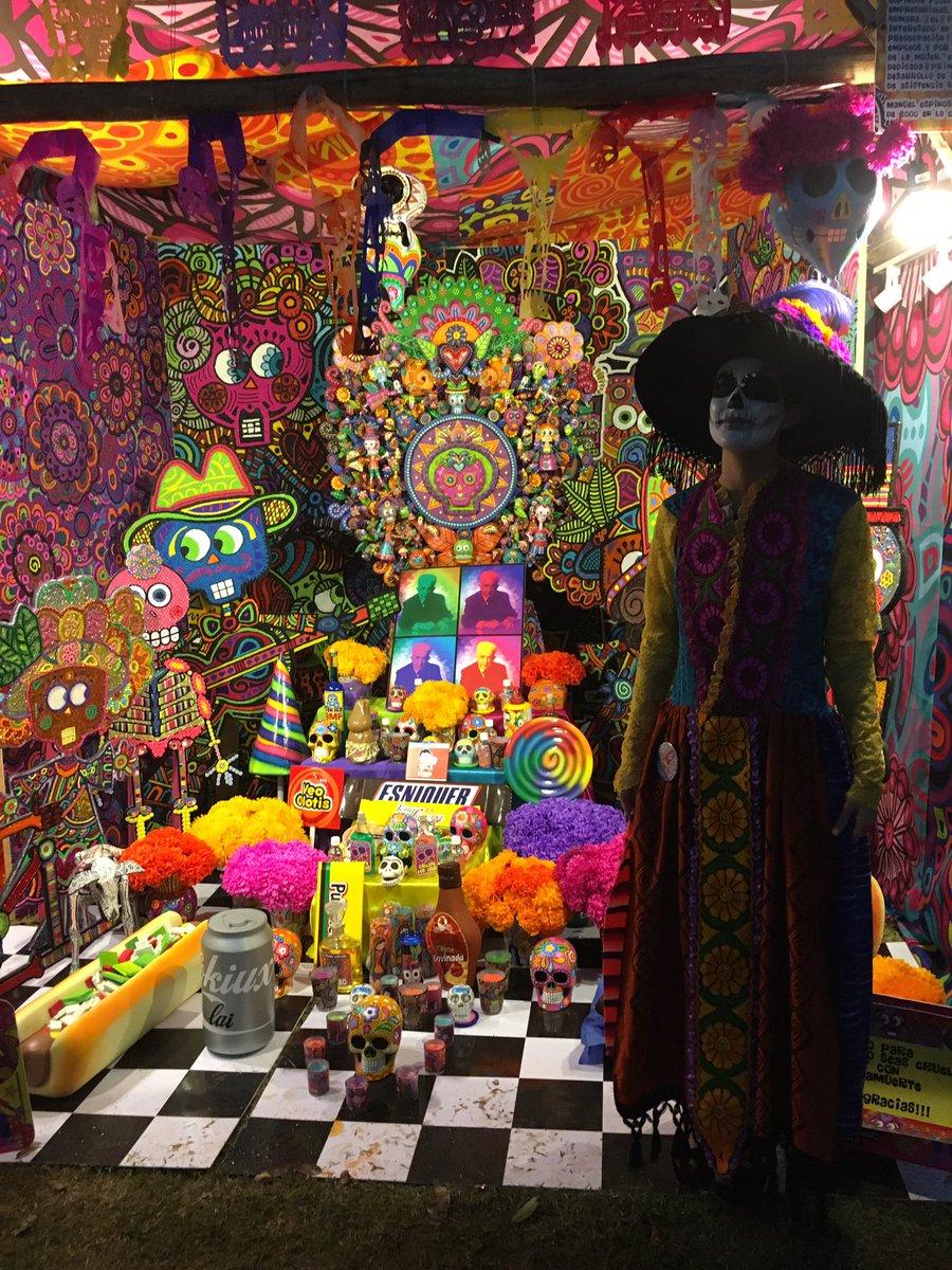 Un altar muy colorido #FestivalVidayMuerte @xcaretpark https://t.co/VikDY7YI8h
