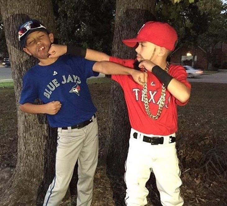 Best Sports Halloween Costumes: Rougned Odor & Jose Bautista (via @chasepwilliams) https://t.co/AtUG18QCw2