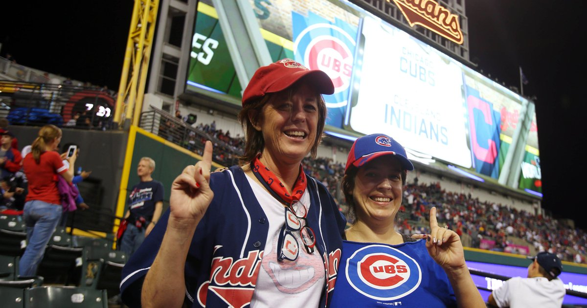 World Series brings together half-sisters who meet for first time at Game 6