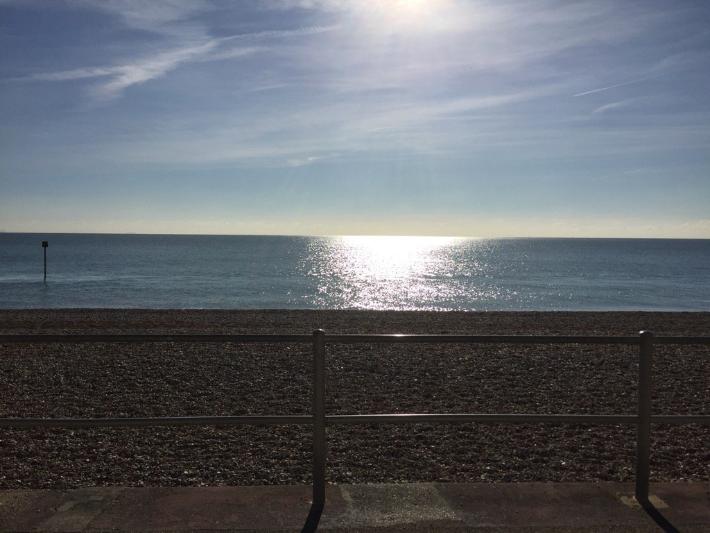 Pretty stupendous view from 'the office' this morning... hello #Bexhill #OnLocation #filming #BBC #CiN https://t.co/Z3UeDY32GO
