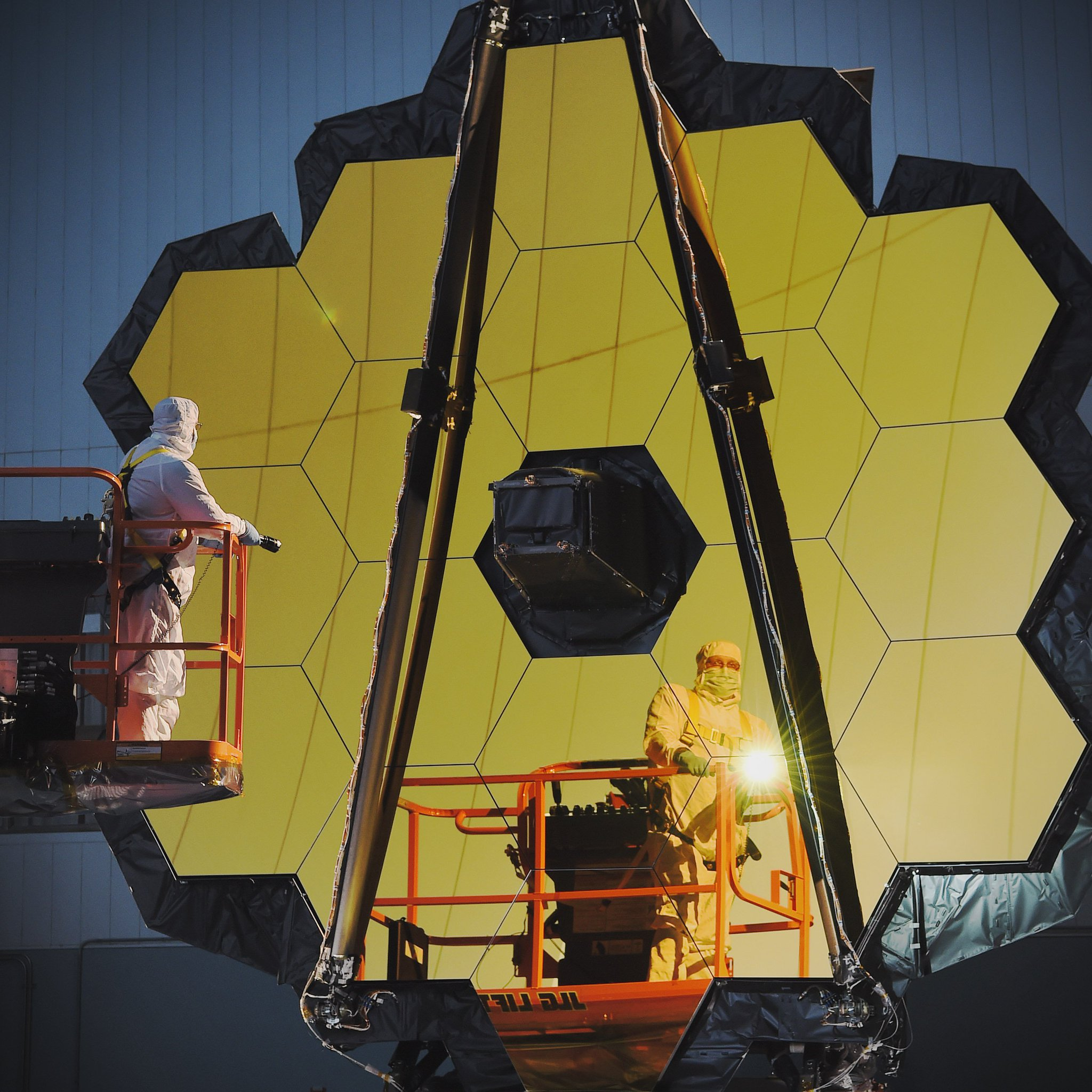 LIVE NOW: Discover more about @NASAWebb, our next generation space telescope. Questions? Use #askNASA https://t.co/1UI9wJme1s