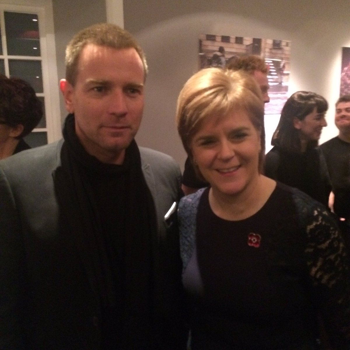 Nicola and Ewan in the Café Bar!!! #AmericanPastoral #edfilmfest #EwanMcGregor #FirstMinister https://t.co/6CFDqDkiQi