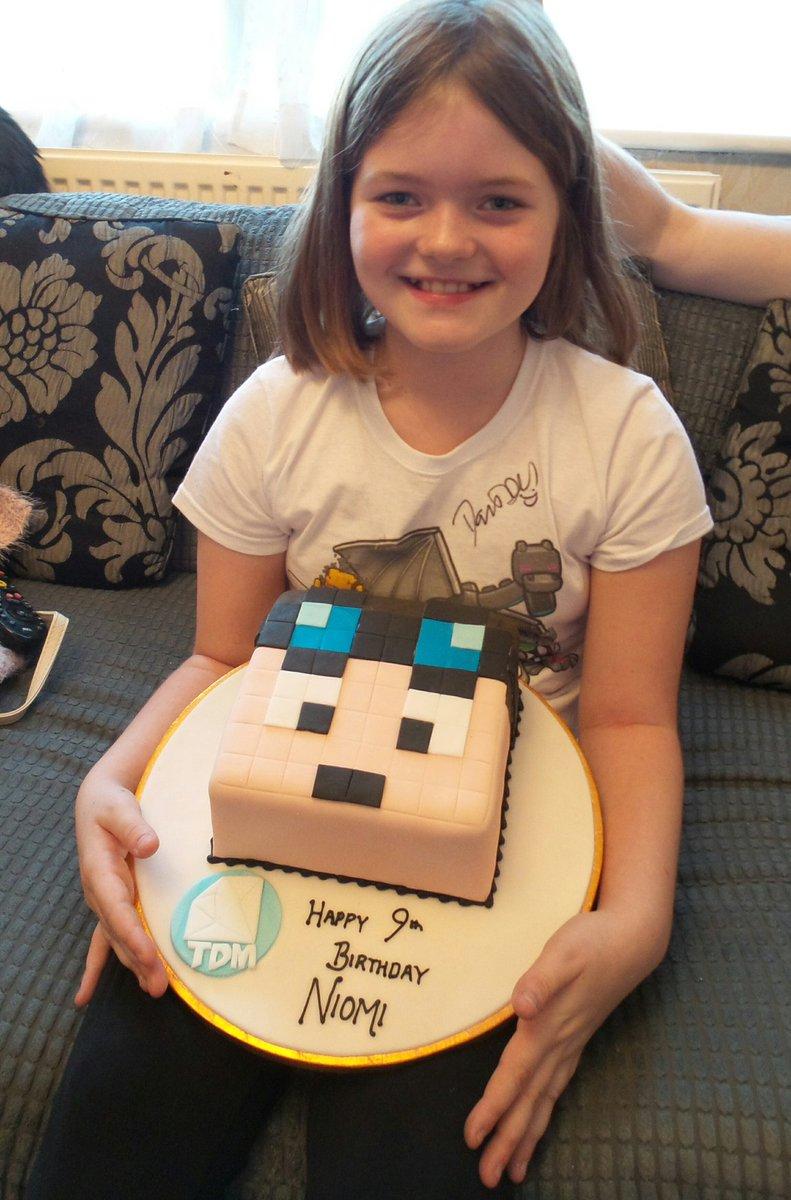 Hi @dantdm please say Happy birthday to @Niomigamer162 she is 9 today x please Retweet x https://t.co/XDkM2XEbGU