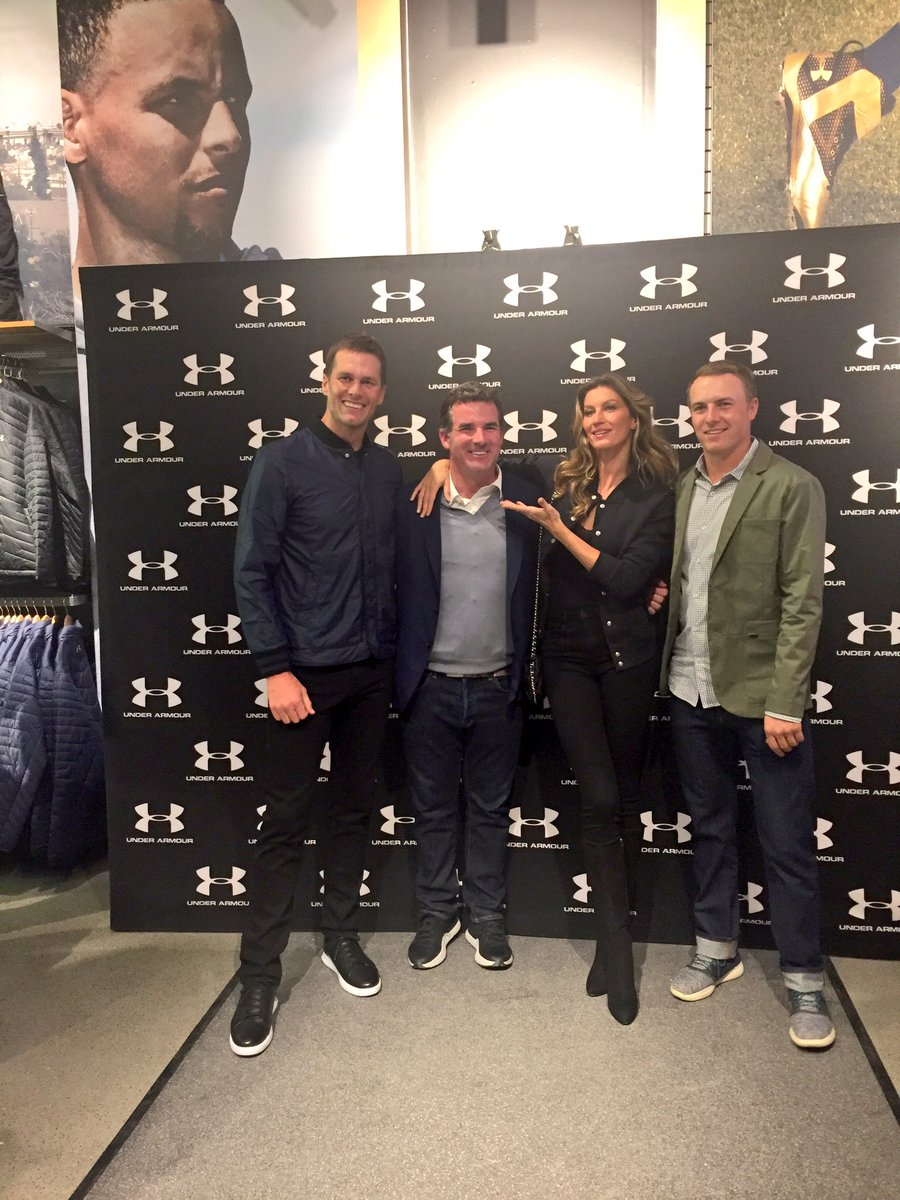 #TomBrady @giseleofficial and @JordanSpieth have arrived @UnderArmour opening! https://t.co/pcVS2lDEbu