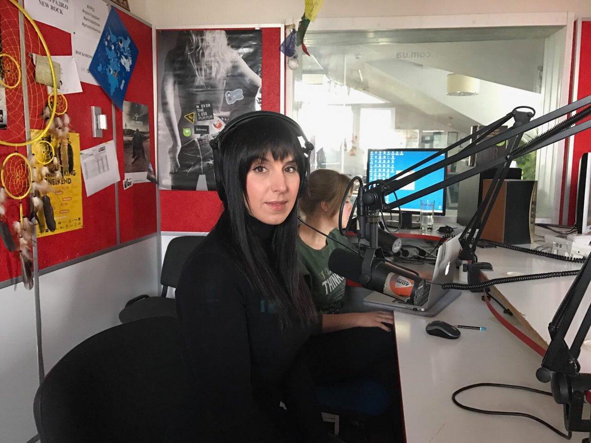 Уже в эфире утреннего шоу #rockbusters на Просто Ради.О    Включайте 102,5 FM прямо сейчас! https://t.co/5LTJCiaVVm