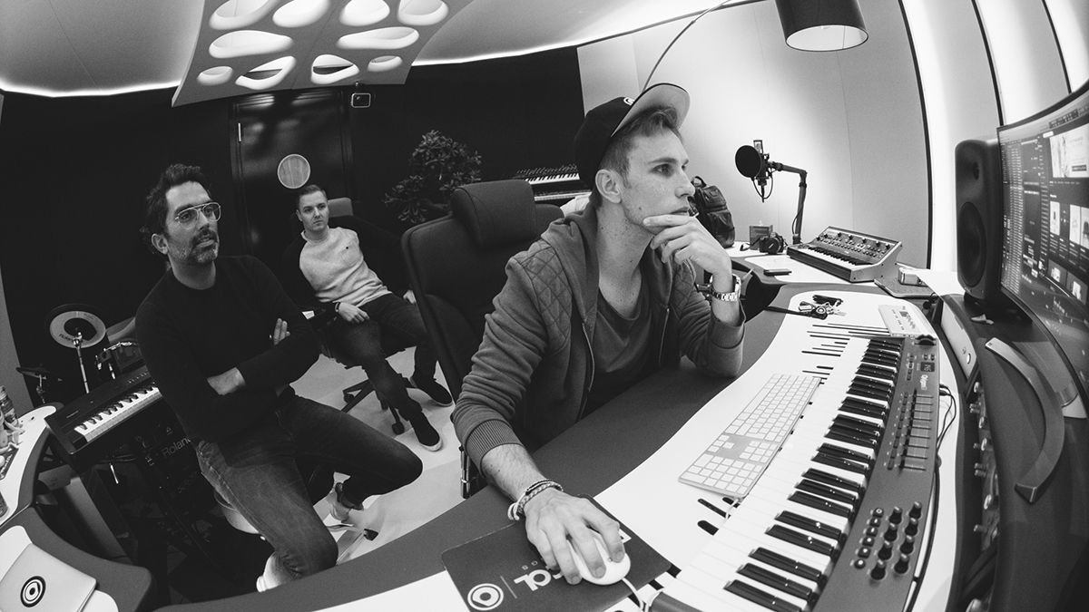 Inside @nickyromero's stunning Protocol Recording studios https://t.co/ZEZQrKjh0p https://t.co/vvtN2Uw1WF