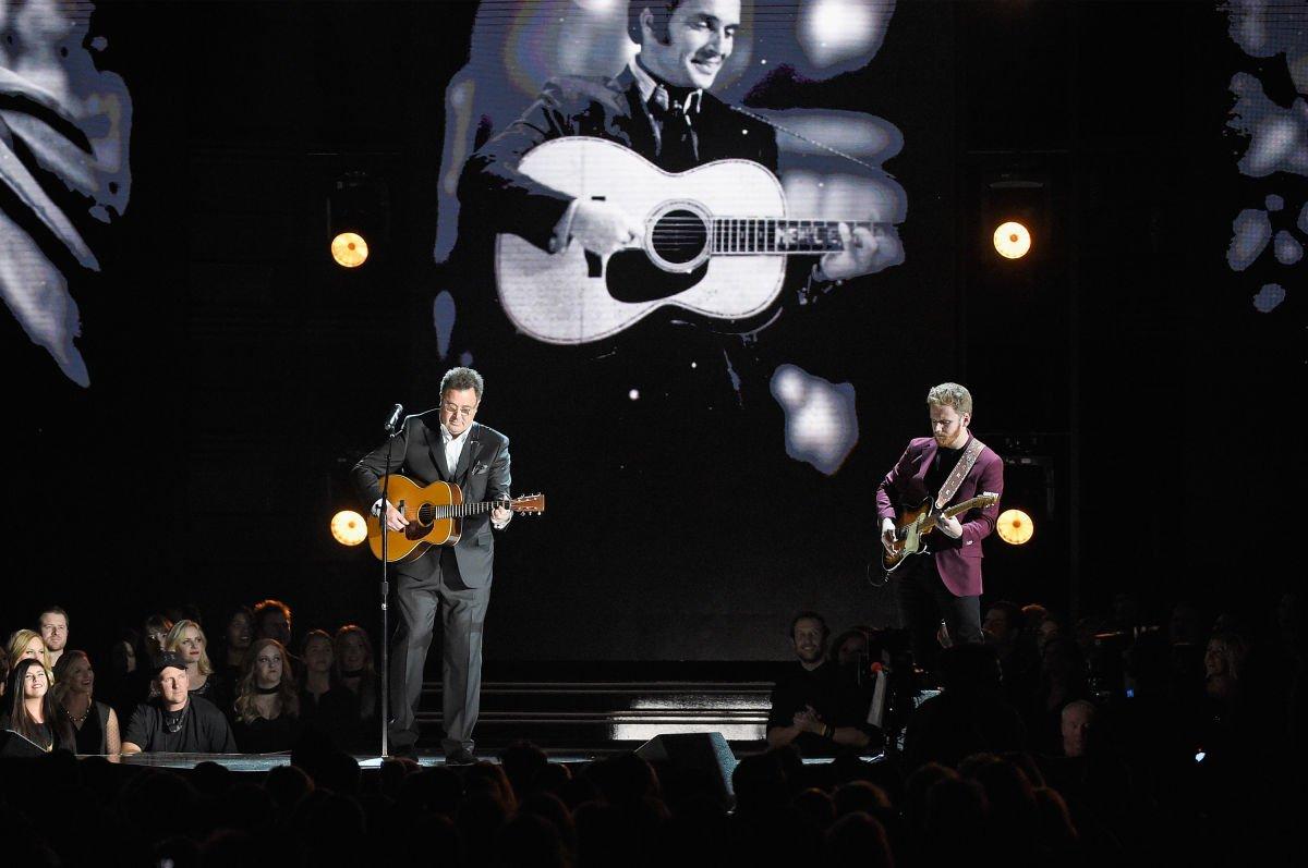 "Vince kicked off #CMAawards50 last night singing ""Mama Tried"" with @BenHaggardMusic! ("