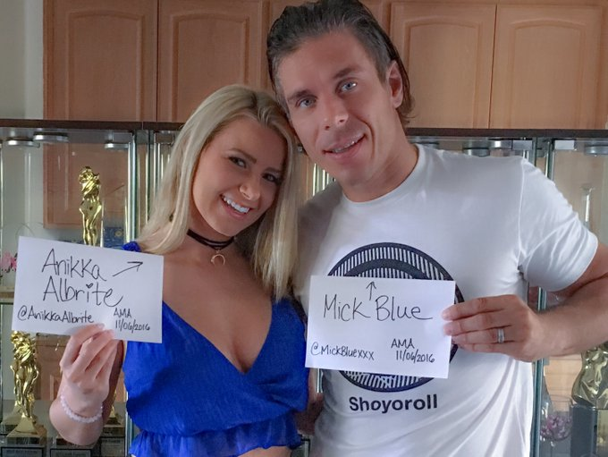Join @MickBluexxx and myself on Sunday, November 6 at 7 pm PST for a @redditfeed AMA! xoxo https://t