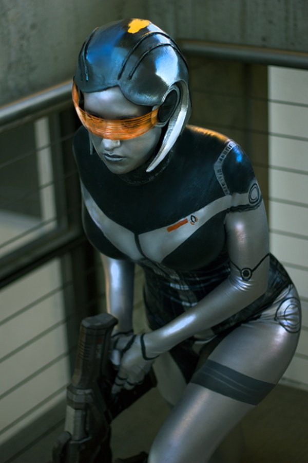 EDI (Mass Effect). Great Display by PaleFunnyGhost. Photo: Matt Smith #masseffect #cosplay https://t.co/wwO24VYSn9