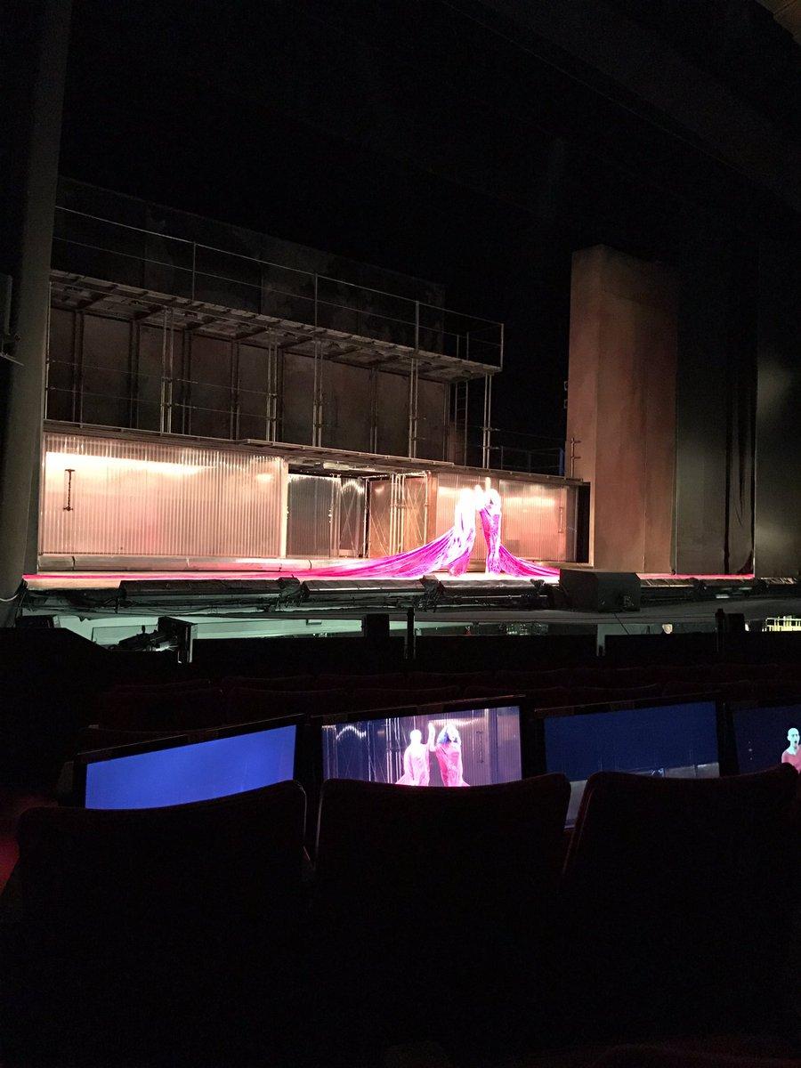 Look at the cape.  It's not super man.  It's a super opera.   #akhnaten @LAOpera https://t.co/TJK9tjB9C5