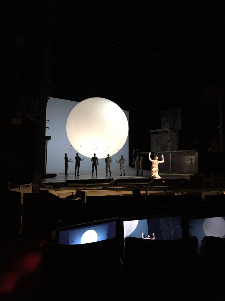 Is it the moon? Or the ultimate ball for the jugglers? #akhnaten @LAOpera https://t.co/5n9YTAjFIn