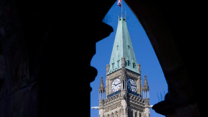 Heritage Ministry nixes idea for outdoor NHL game on Parliament Hill