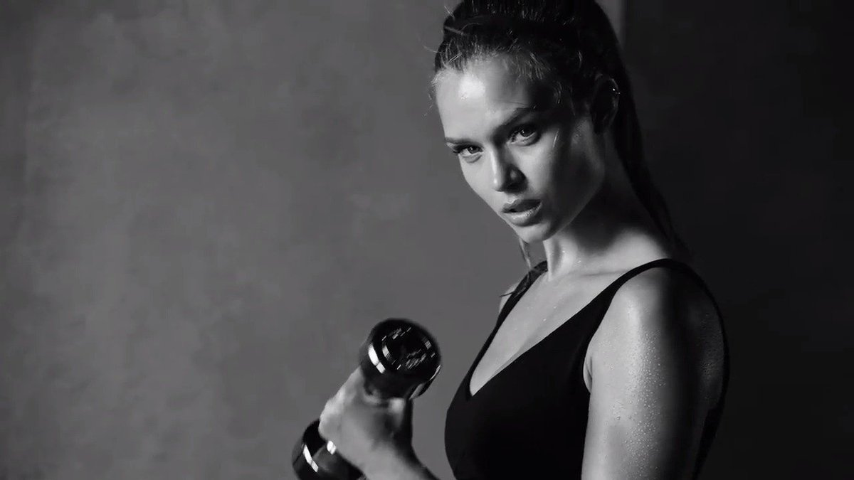 .@JosephinSkriver knows what it takes to stay on top. #TrainLikeAnAngel https://t.co/lVndalXnho