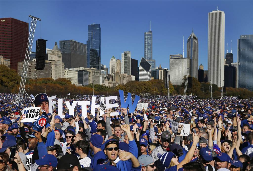 PHOTOS: Chicago Cubs fans celebrate their historic World Series win