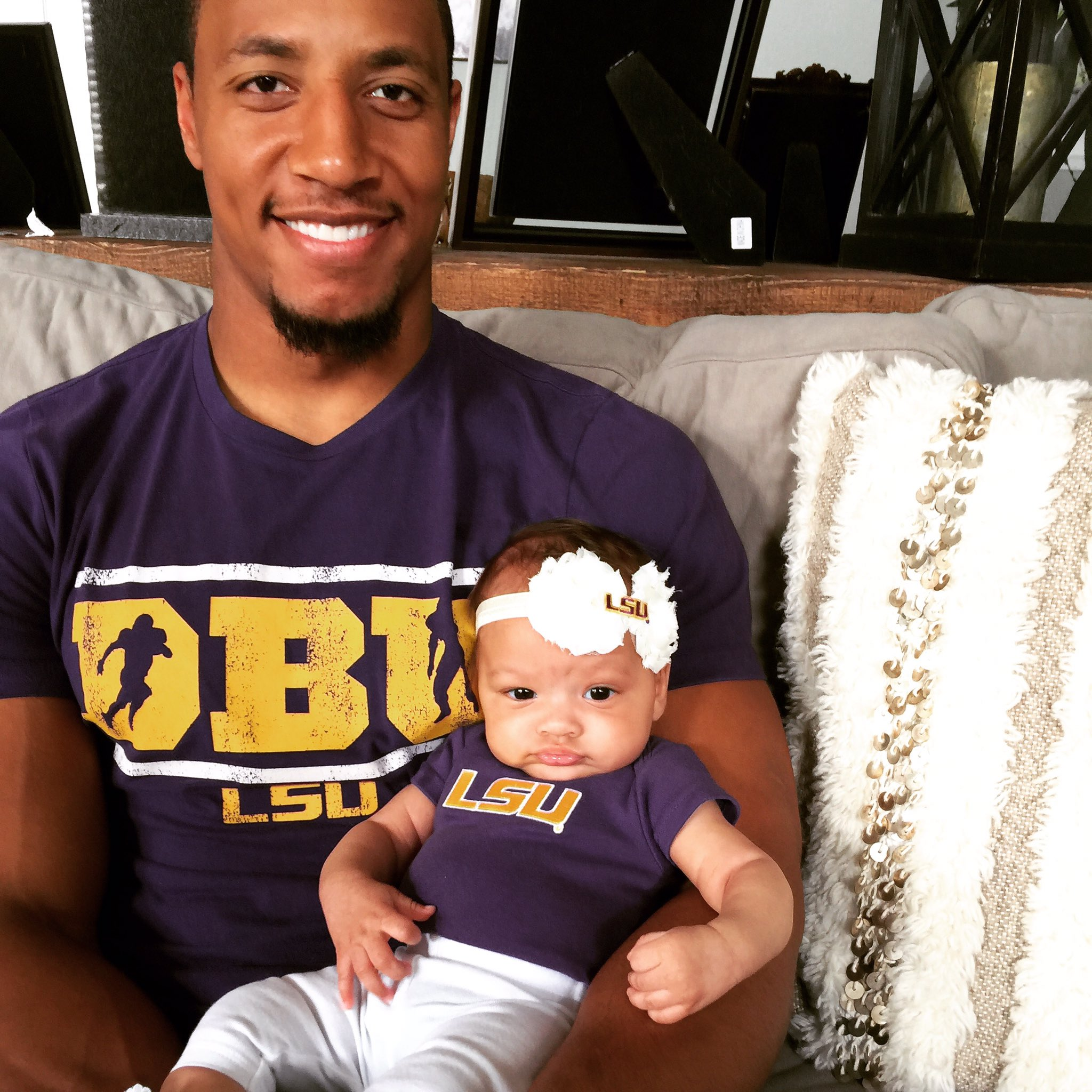 Ready for the game! #GEAUXTigers #BeatBama shoutout to @IAMCweb for the #DBU shirt https://t.co/TyVpTTKdyn